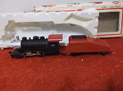 New Model Power H.o. Scale Locomotive And Tender And Tender