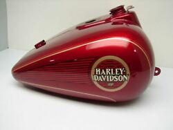 Nos New Harley Davidson Flht Anniversary Gas Tank Was In Hd Museum Display