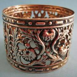 L@@k Superb Antique Sterling Silver Flowers Daisies Floral Pierced Napkin Ring