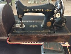 Vintage 1920's Singer Sewing Machine Serial Number Aa549403 With Wood Cover