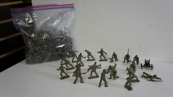 Large Lot Of Over 100 Unmarked Plastic Army Soldiers Mpc Marx