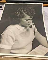 VINTAGE 1950'S NYC PHOTOGRAPH WOMAN TELEPHONE SWITCHBOARD OPERATOR WITH HEADSET