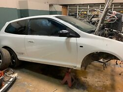 2002 Honda Civic Si Hatchback White For Parts Contact For Pricing