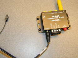 Xantech 789-44 One Zone Four Source Connecting Block W Ps And Ir Emitter