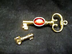 Set Of 2 Gold Toned Key Lapel Hat Purse Pins 1 And 2.5 Accessories Jewelry Gift