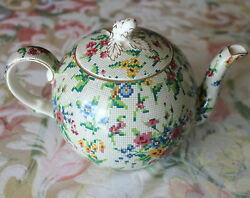 Royal Winton China Queen Anne 2995 Pattern Strawberry Top Teapot Tea Pot And Lid