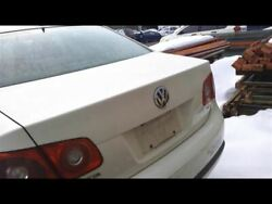 Trunk/Hatch/Tailgate Sedan VIN K 8th Digit Tail Lamps Fits 05-07 JETTA 13796456