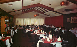 S13157 Le Toit Rouge Restaurant Montreal Quebec Canada Postcard Combined Ship