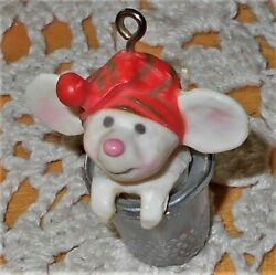 VTG Hallmark Ornament Tiny Merry Mouse in Thimble Little Trimmer 1.75