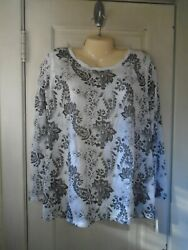 Rewind Woman's Lace Button Back Top Size 3X   NEW WITH TAGS   SUPER CUTE!
