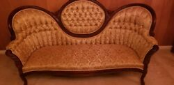 Vintage Pelham, Shell And Leckie Victorian Style Couch. Beautiful Fabric And Mahoga