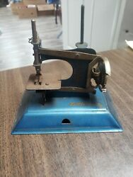 Vintage Toy Childs Little Betty Sewing Machine 1940s
