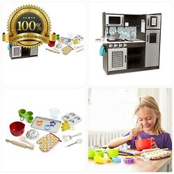 """Melissa & Doug Wooden Chef's Pretend Play Toy Kitchen with """"Ice"""" Cube Disp"""