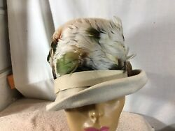 Vtg Originals By Mr Joseph New York Womens Beige Hat W/feathers Pre-owned