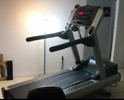Treadmill Life Fitness 95 Ti. Mothers Day Special Price Reduce