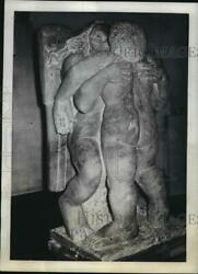 1942 Press Photo Jacob amp; Angel Sculpture by Jacob Epstein at Leicester Galleries