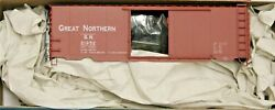Ho Scale - Accurail 3455 Great Northern 40' Ps-1 Steel Boxcar 21952 - Kit