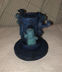 Disney Haunted Mansion Limited Edition Glow In The Dark Figurine Hitchhiking