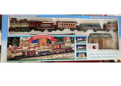 Dickensville Vintage Collectables Christmas Train Battery Operated