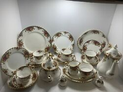Royal Albert Old Country Roses 6 Place Setting 35 Piece4 Persons Immaculate