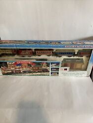 Dickensville Vintage Collectables Christmas Train Battery Operated 171l