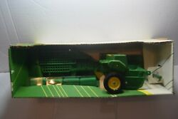 1995 Ertl John Deere 348 Square Baler And 4 Bales 1/16 Scale New As Picture