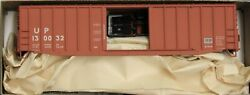 Ho Scale - Accurail 5656 Union Pacific 50' Exterior Post Steel Boxcar - Kit