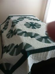 Genuine Amish Hand Stitched Queen Size Quilt. Perfect. No Flaws. Green/white