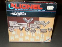 Mpc Lionel - 62180- 0/027 Scale Road Signs- Early Box New - H56