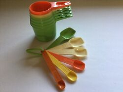 Vintage Tupperware Measuring Cups And Spoons Set