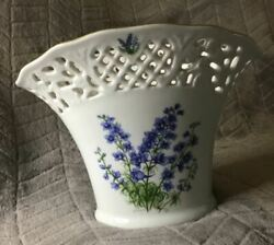 Schumann Germany Porcelain Weave Vase With Gold Rim Pre-owned In Excellent Cond
