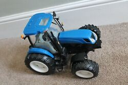 """Britains 17"""" New Holland T7050 Blue Tractor Farm Toy Ertl Sound Lights Used 116"""