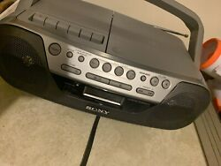Sony Cfd-s05 Cd Player -radio-cassette-aux Boombox Stereo Portable-tested