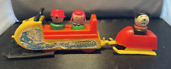 Vintage Fisher Price Little People 705 Mini Snowmobile And Trailer W Dog