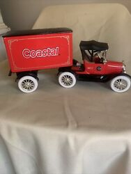 Ertl Diecast Coastal 1918 Ford Runabout Tractor-trailer Bank 125 With Key