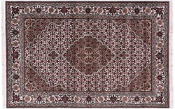 4' 0 X 6' 0 Traditional Wool And Silk Hand Knotted Rug - Q8939