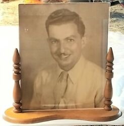 Antique 1940s 50s Vintage 8x10 Tabletop Free-standing Picture Frame Wood And Glass