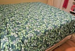 Green And White Floral Full Sized Comforter With 2 Shams