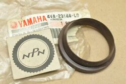 Nos Yamaha 1981-82 Yz250 1981 Yz465 1982 Yz490 Front Fork Dust Seal 4v4-23144-l0