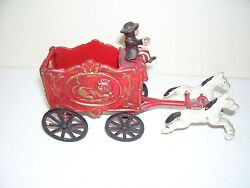 Vintage Metal Old Time Circus Wagon Pulled By 2 Horses Driver Toy Good Condition