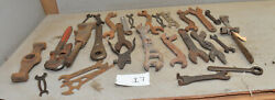 25 Vintage Farm Implement Mechanic Collectible Wrench Garage Tractor Tool Lot I7