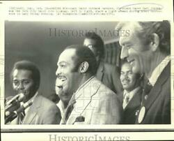 1971 Press Photo Mayors Ratcher Stokes And Lindsay At Press Conference In Gary