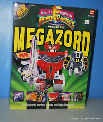 Bandai 2260 Power Rangers Deluxe Megazord Action Figure. 1993 Sealed Very Nice