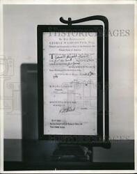 1964 Press Photo An Army Discharge Paper Signed By George Washington - Cva83164