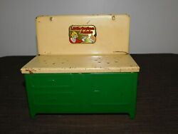 Vintage Toy 7 1/4 High 8 Wide Little Orphan Annie And Sandy Mini Metal Stove
