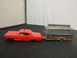 T303-matchbox Lesney No22c Pontiac Gp Sports Coupe And No74a Mobile Canteen
