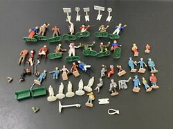 Used, Lionel Road Signs Plasticville Citizens. Plastic Soldiers For Train Set Up