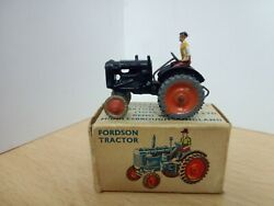 T308-britains Lilliput World No.lv/604 Fordson Tractor And Box.00 And Ho Gauge