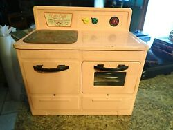 Pink 1950's Empire Little Lady Child's Electric Stove Oven 226 Heats Up
