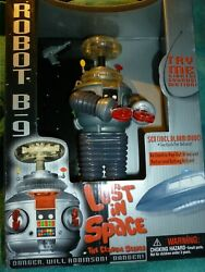1998 Trendmasters Robot B-9 Lost In Space Light Up Sound Motorized Rolling